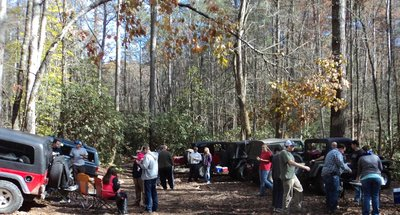 Mid Carolina Jeepers 2014 Hot Springs Trip in Nov - Lunch on the trail - C.JPG